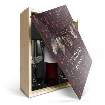 Confezione Stampata Vino Luc Pirlet Merlot con bicchieri