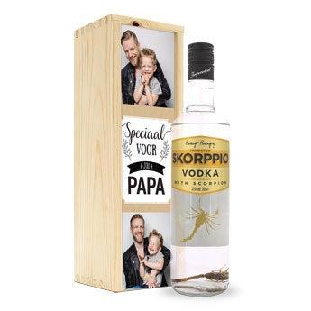 Skorppio vodka - In bedrukte kist