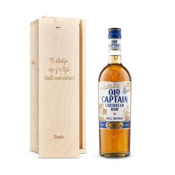 Old Captain (bruin) rum - In gegraveerde kist