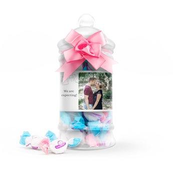 Gender reveal sweets in personalised bottle - Girl