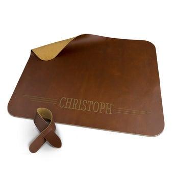 Dækkeserviet i læder – brun – med fastgørelse