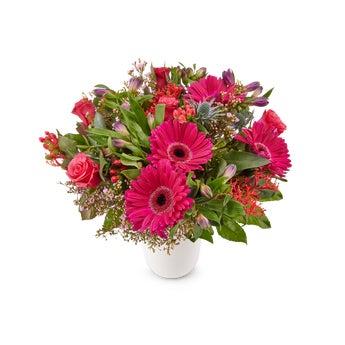 Blumenstrauß mit lila Blumen