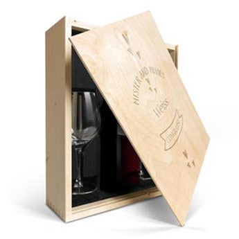 Luc Pirlet Merlot mit Glas & gravierter Kiste