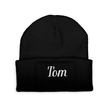 Haftowana czapka - czarna