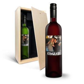 Vin med trykt etiket - Belvy - rød og hvid