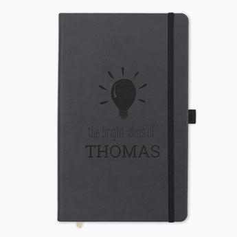 Jegyzetfüzet névvel - fekete