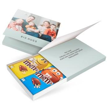 Yksilöitävä M&M's-lahjapakkaus - 2 suklaalevyä