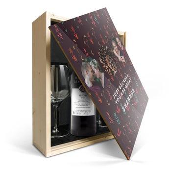 Confezione Stampata Vino Maison de la Surprise Merlot con bicchieri