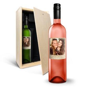 Vin med påtrykt etikette - Belvy - hvidvin og rosévin
