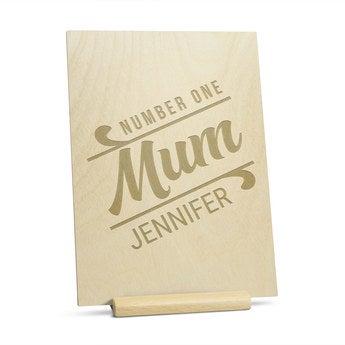 Cartão do dia das mães de madeira - gravado - vertical