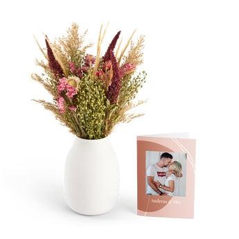Tørket blomsterbukett med et personlig kort - Rosa