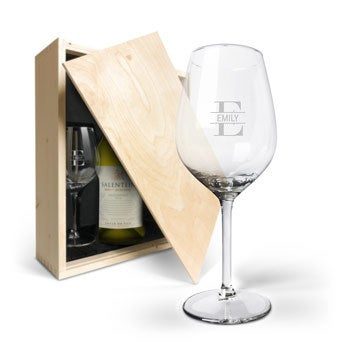 Salentein Chardonnay with engraved glasses