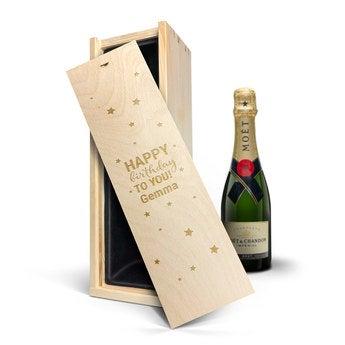 Moët & Chandon 375 ml - I graverad låda