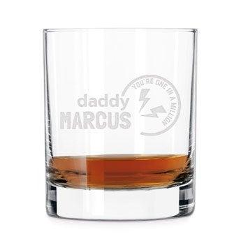 Deň otcov whisky sklo
