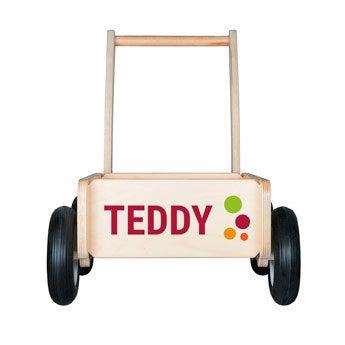 Dřevěný push vozík