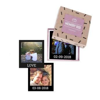 Fotos polaroid em caixa de presente