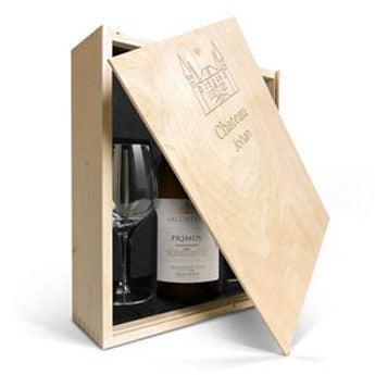 Salentein Primus Chardonnay met glazen en gegraveerde deksel