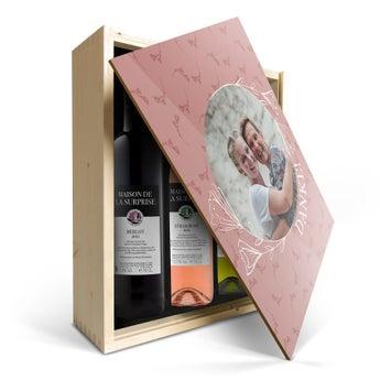 Maison de la Surprise Sauvignon Blanc, Syrah & Merlot - In Holzkiste