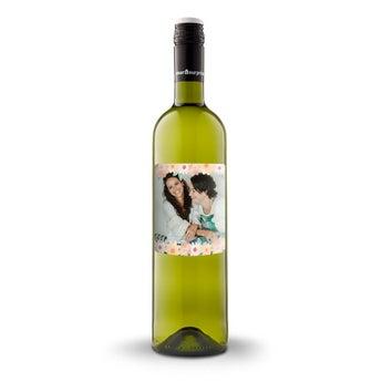 WinoLuc Pirlet Sauvignon Blanc z etykietą
