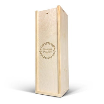 Pouzdro na víno s vyrytým názvem