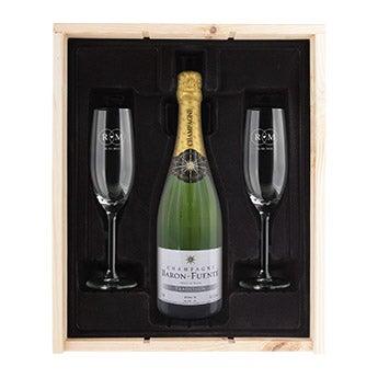 Šampanské s gravírovanými pohármi