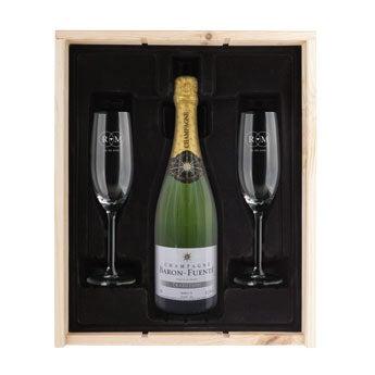 Samppanjapaketit kaiverrettuilla lasilla