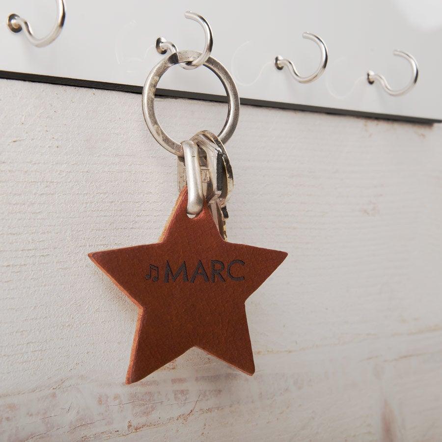 Porte-clé prénom en cuir - Etoile - Marron