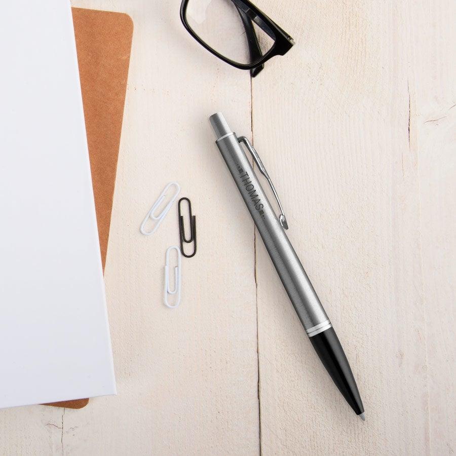 Individuellbesonders - Parker Urban Metro Kugelschreiber Linkshänder (Silberfarben) - Onlineshop YourSurprise