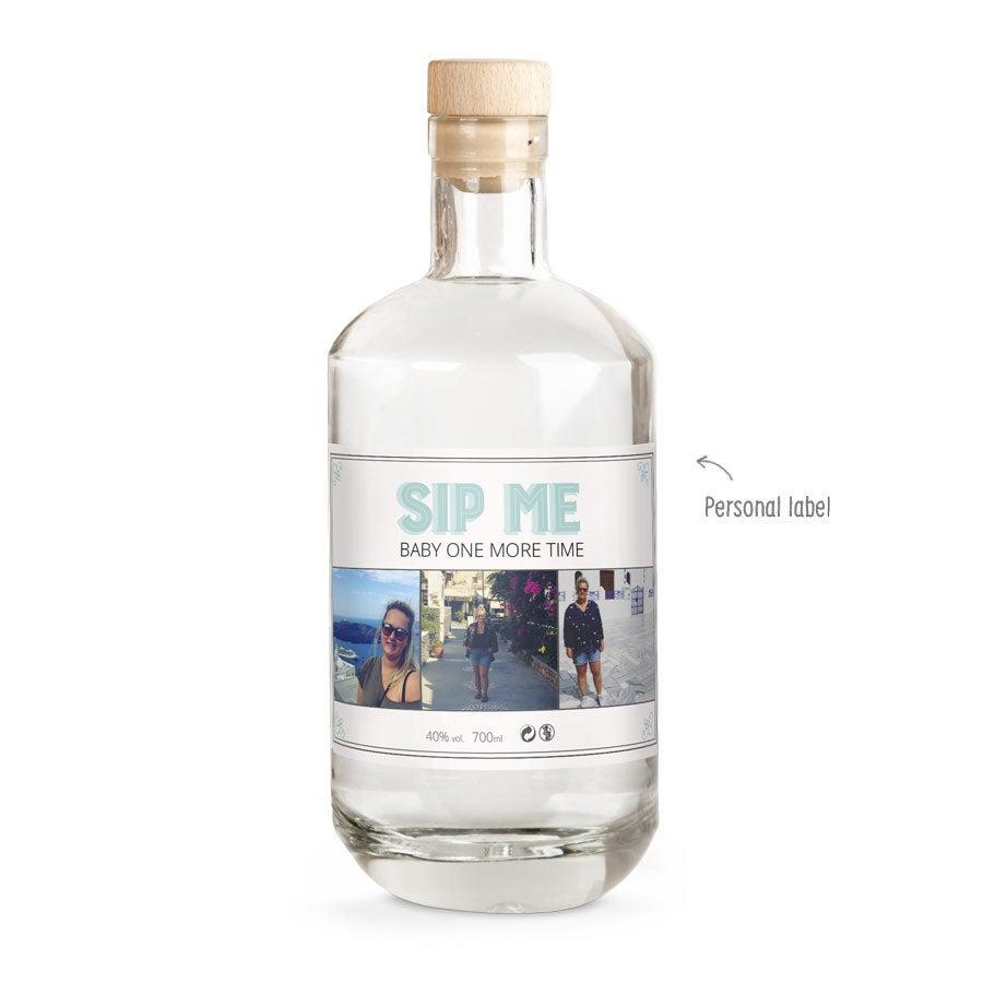 Gin med trykt etikette – YourSurprises eget mærke