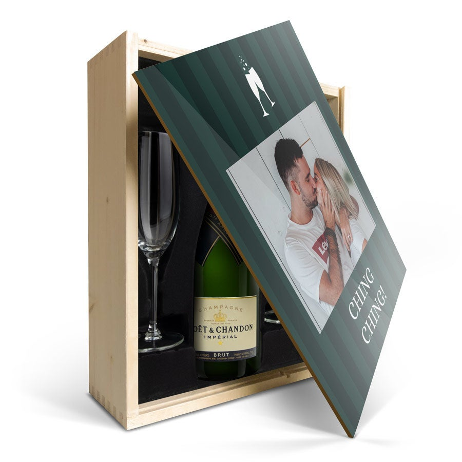 Individuellleckereien - Geschenkset Champagner mit Gläsern Moët Chandon Brut mit bedrucktem Deckel - Onlineshop YourSurprise