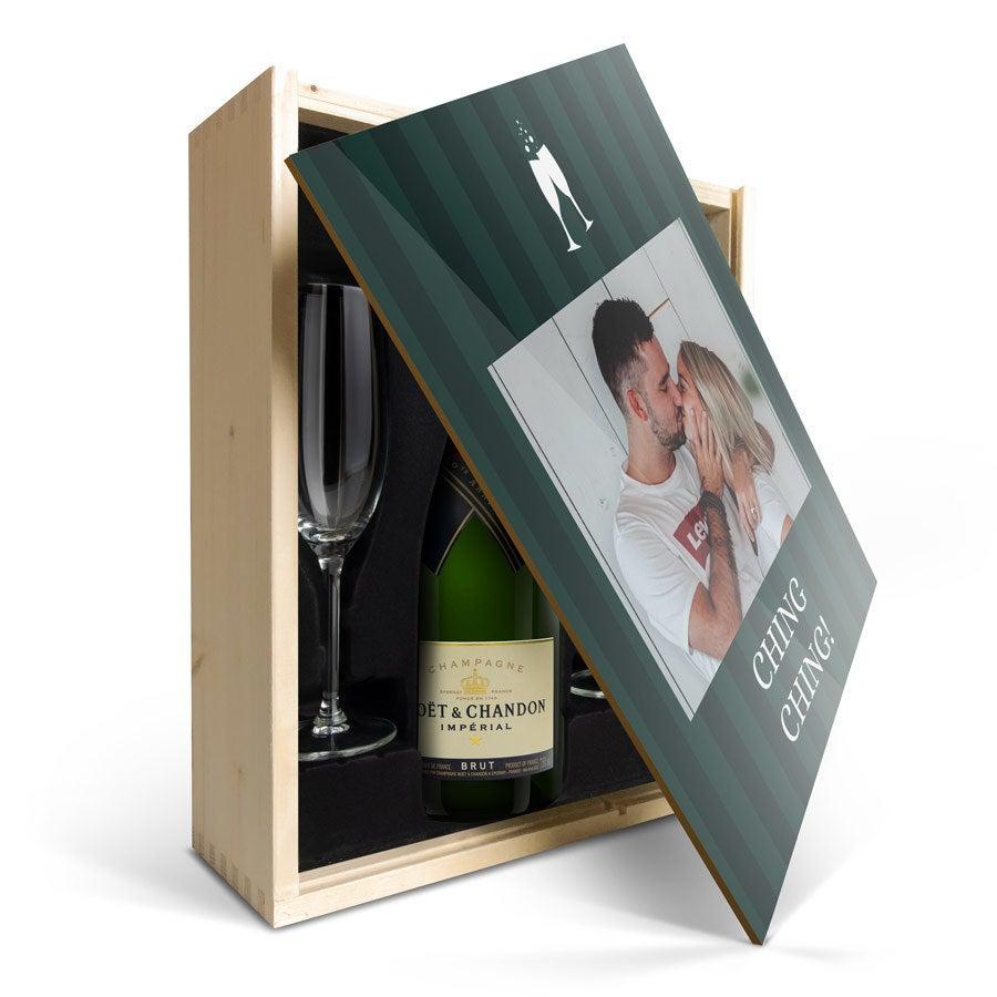 Geschenkset Champagner mit Gläsern -  Moët & Chandon Brut - mit bedrucktem Deckel
