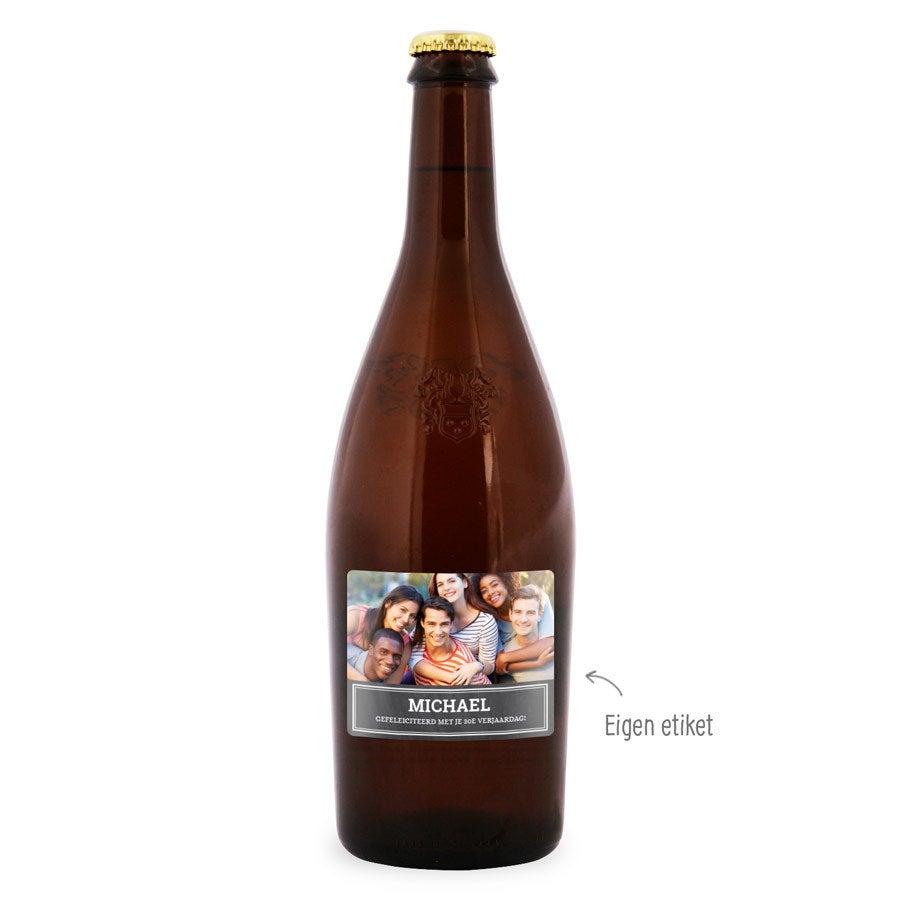 Bier met bedrukt etiket - Duvel