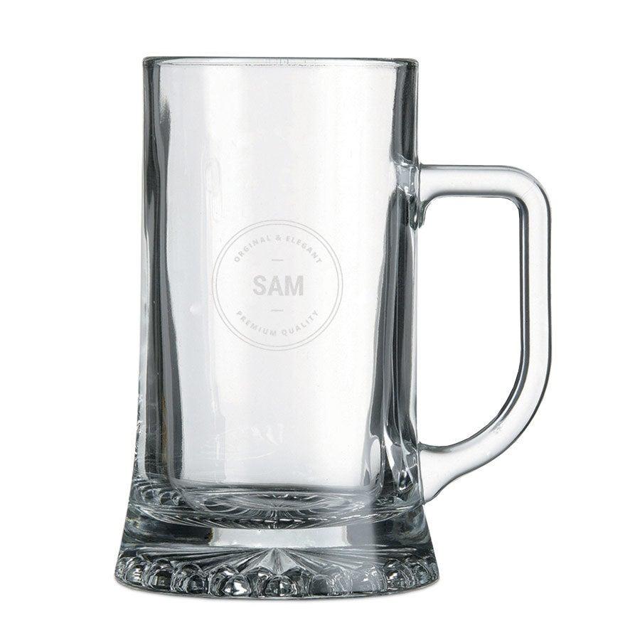 Caneca de cerveja de vidro gravado