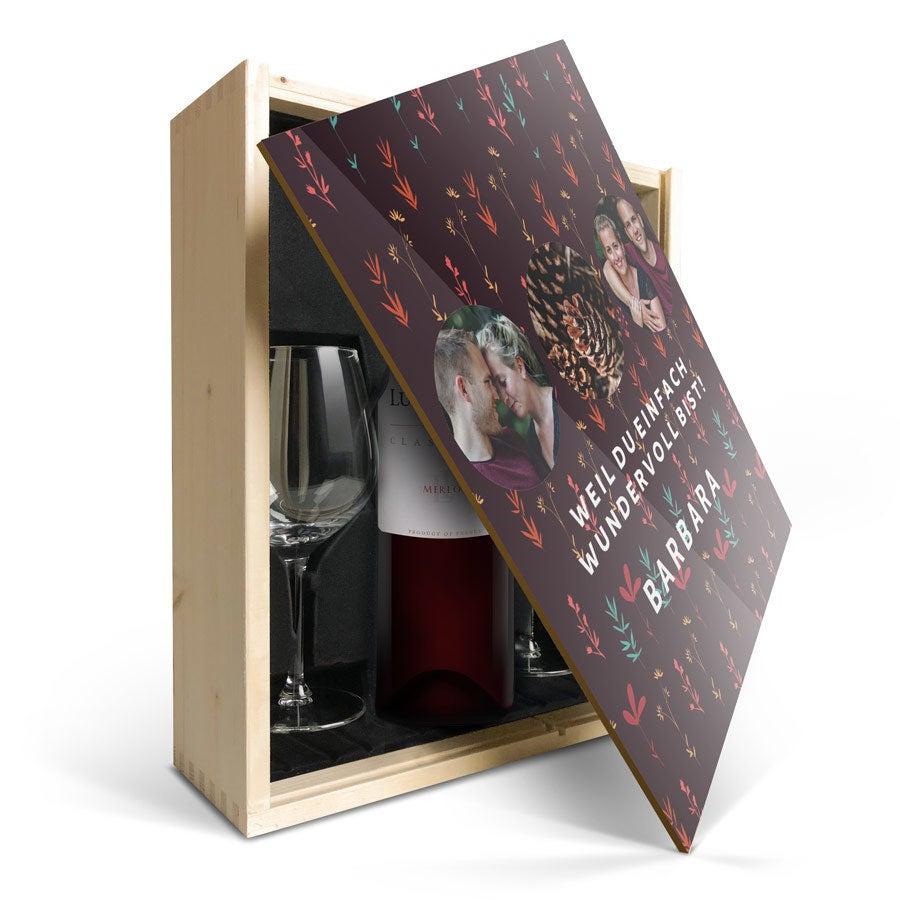 Geschenkset Wein mit Gläsern  - Luc Pirlet Merlot - Bedruckter Deckel