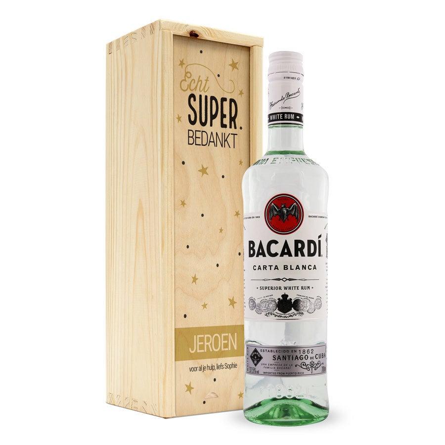 Rum in bedrukte kist - Bacardi