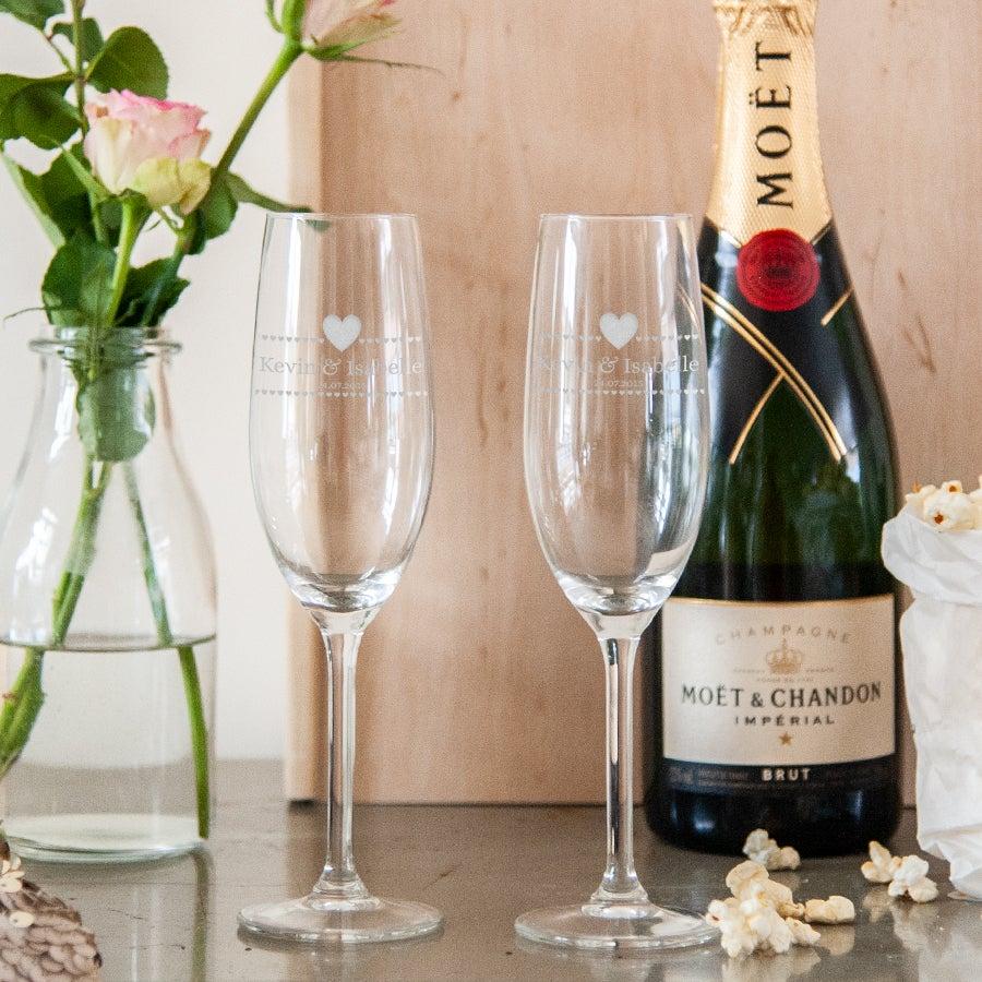 Set de copas de champán grabadas- San Valentín