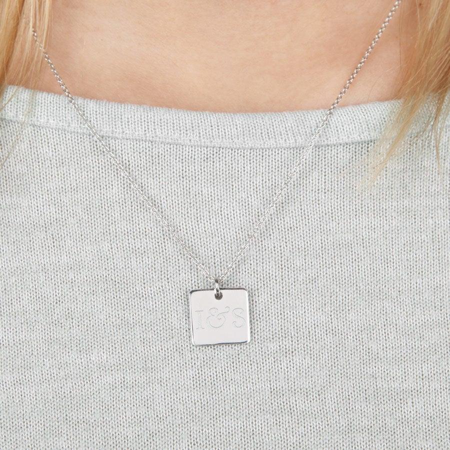 Collier prénom argent - Pendentif carré - Gravé