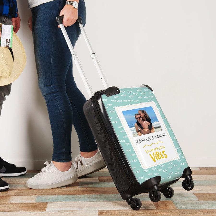 Foto da princesa viajante mala de viagem