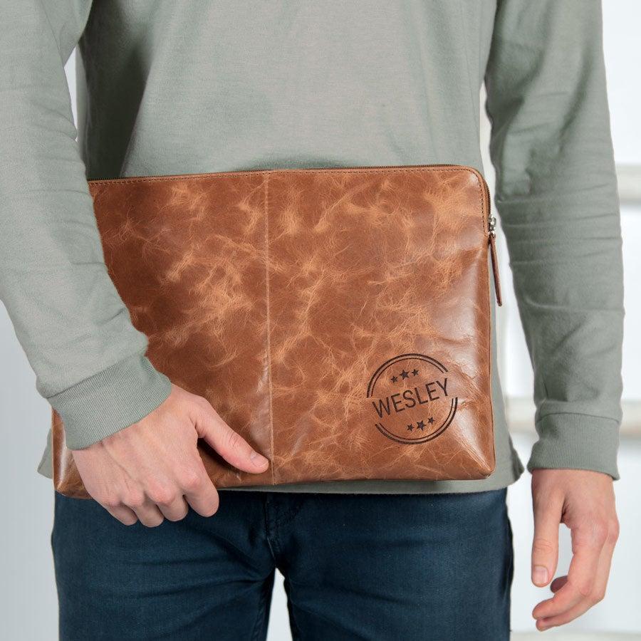 Leren laptophoes graveren - Bruin (15 inch)