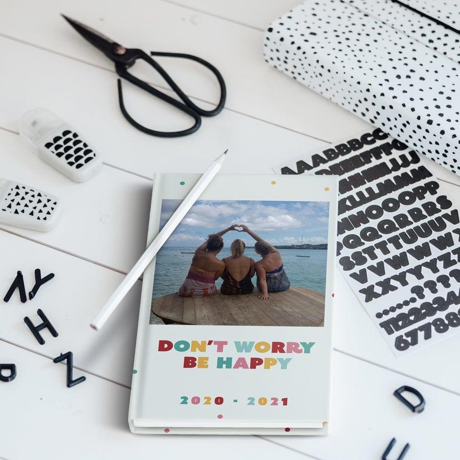 Personaliseret skolekalender 2020/2021– Hardcover