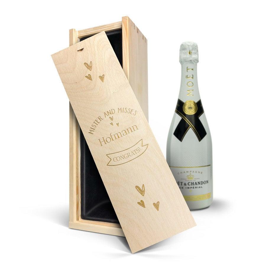 Individuellleckereien - Champagner in Kiste mit Gravur Moët Chandon Ice Imperial (750ml) - Onlineshop YourSurprise