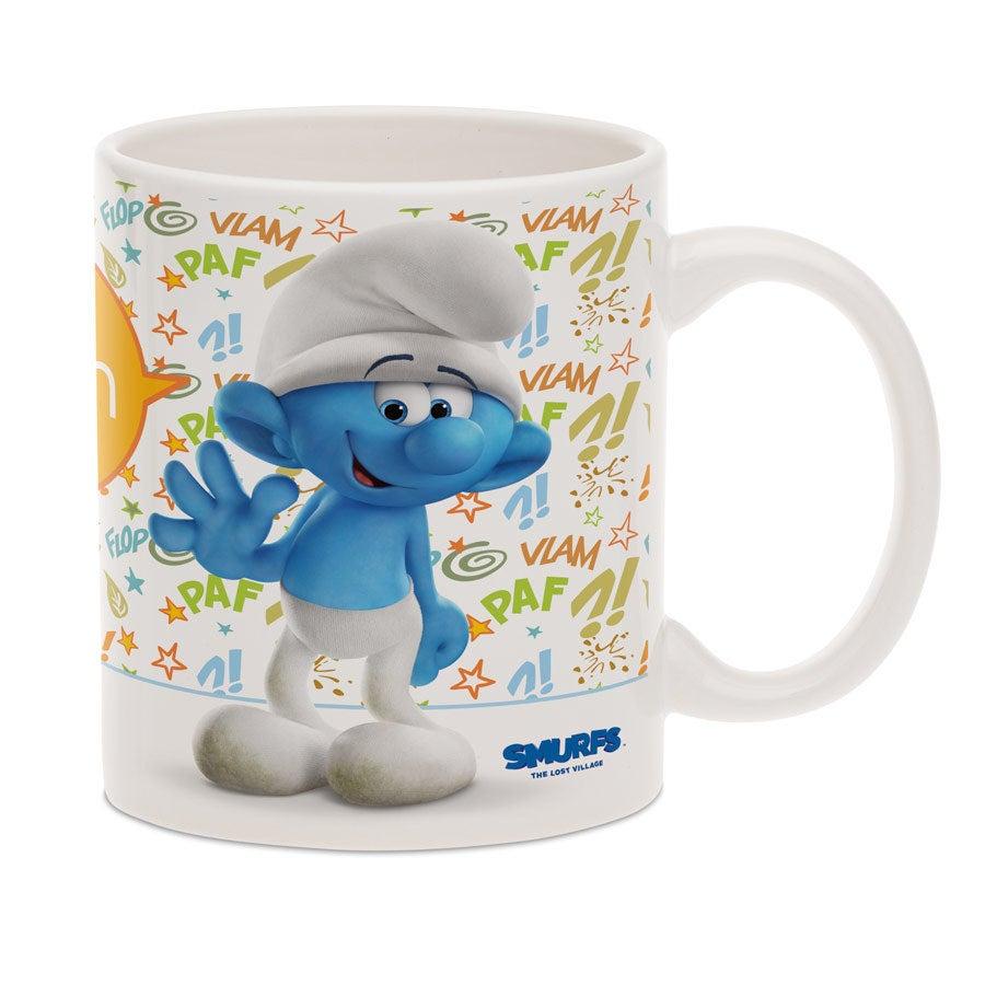 A caneca dos Smurfs com nome