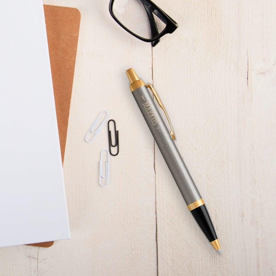 Individuellbesonders - Parker IM Kugelschreiber Linksshänder (Metall gebürstet) - Onlineshop YourSurprise