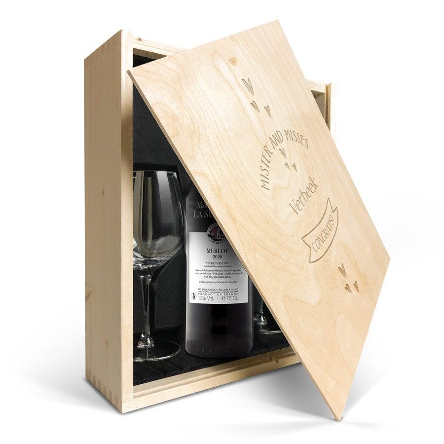 Wijnpakket met glas - Maison de la Surprise Merlot (Gegraveerde deksel)