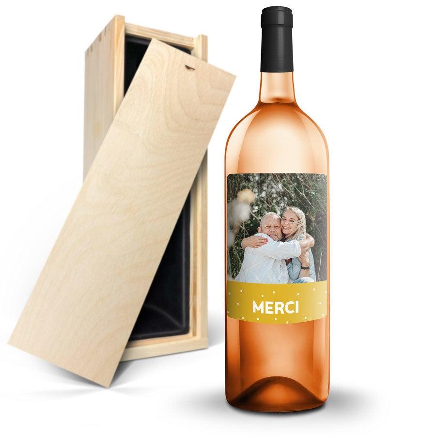 Bouteille de vin rosé de Provence AIX Magnum avec étiquette personnalisée