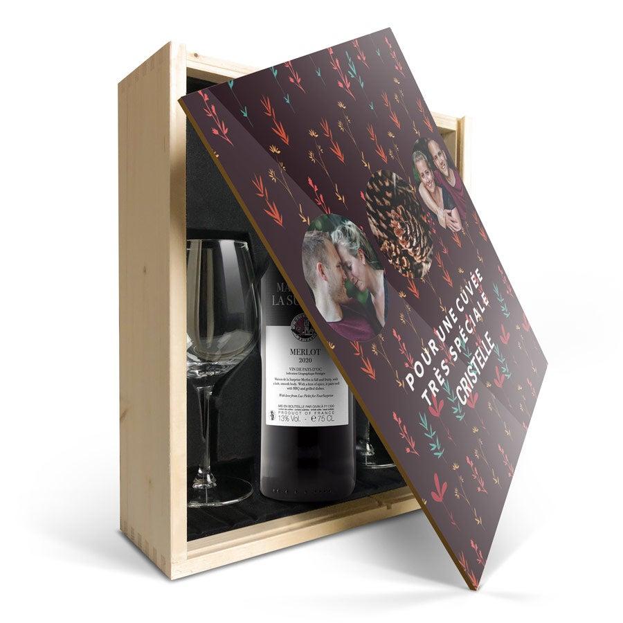 Coffret vin rouge avec 2 verres - Maison de la Surprise Merlot  - Couvercle imprimé