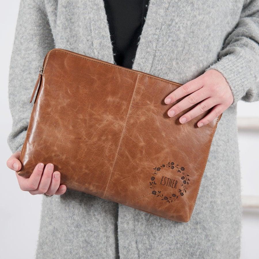 Leren laptophoes graveren - Bruin (13 inch)