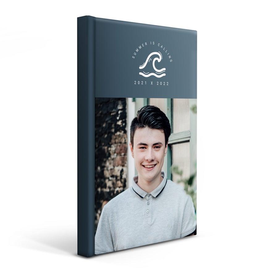 Personaliseret skolekalender 2021/2022– Hardcover