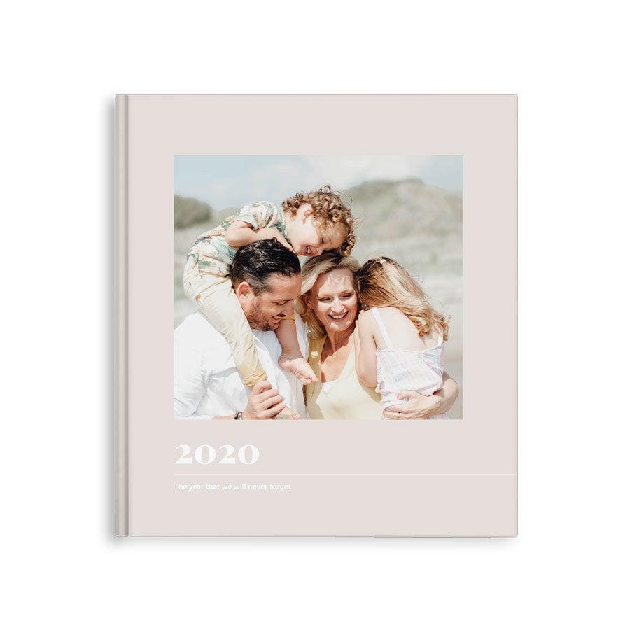Momenten fotoboek maken - Jaarboek - M - Hardcover - 40 pagina's