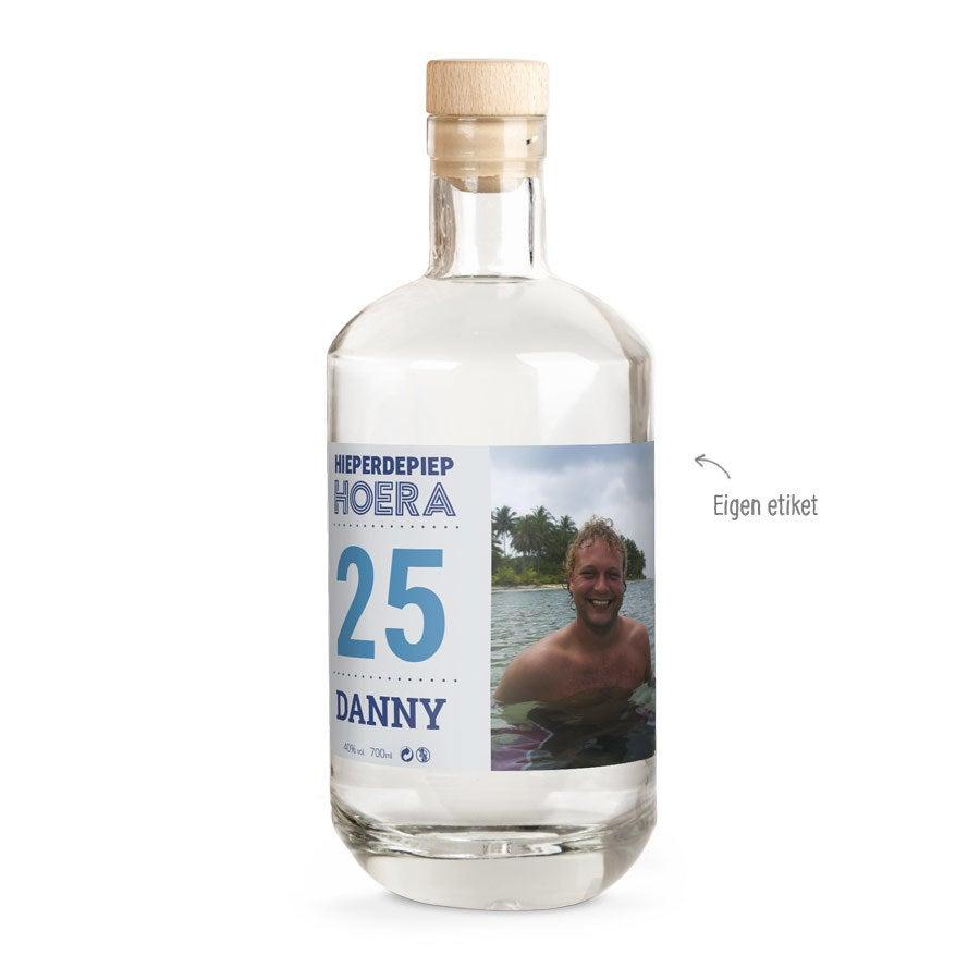YourSurprise vodka met bedrukt etiket